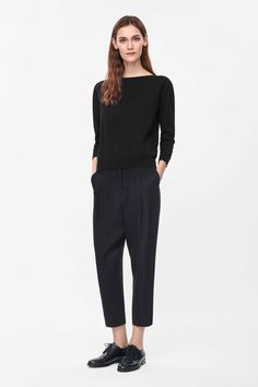 These loose-fit tapered trousers are made from fluid silk with an all-over striped pattern. Designed to sit just below the waist, they have a zip fly fastening, front and back pockets and a slightly dropped crotch for a relaxed silhouette. Work Fashion, Trendy Fashion, Fashion Basics, Women's Fashion, Next Clothes, Sartorialist, Perfect Wardrobe, Basic Outfits, Daily Look