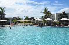 Poolside, Wyndham Resort Denarau Island, Fiji.