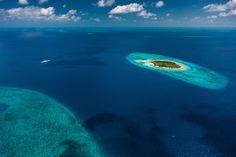 Bill Gates Yacht off the coast of Belize ✯ ωнιмѕу ѕαη∂у
