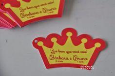 Tag recortado em formato de coroa  :: flavoli.net - Papelaria Personalizada :: Contato: (21) 98-836-0113  vendas@flavoli.net
