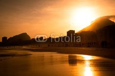 "Stampa su tela ""Warm Sunset on Copacabana Beach"", #stampasutela #stampaquadro Codice art: 60811533"