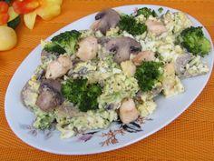 Sałatka z brokułem, pieczarkami i kurczakiem
