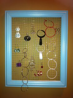 Frame and Chicken wire to new jewellery display