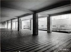 Luigi Moretti - ONB Casa Balilla Sperimentale, Rom 1937 Classic Architecture, Architecture Design, University Housing, Background Pictures, Luigi, School Design, Entrance, Villa, Stairs