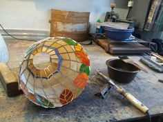 Soldering_stained glass lamp