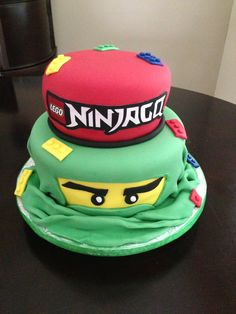 Black instead of green with James written in red. Bolo Ninjago, Bolo Lego, Lego Ninjago Cake, Ninjago Party, Lego Cake, Lego Themed Party, Lego Birthday Party, Birthday Cake, Cupcake Party