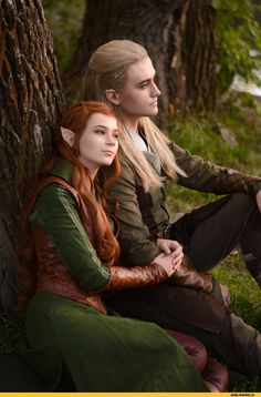 """kamikame-cosplay: """"Legolas & Tauriel from The Hobbit by, Lucky Strike cosplay """" Thranduil, Legolas And Tauriel, Kili, Couples Cosplay, Cosplay Outfits, Cosplay Costumes, Elf Costume, Amazing Cosplay, Best Cosplay"""