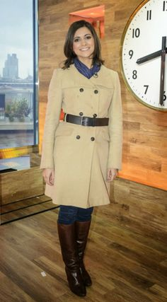 ITV Weather Forecaster Lucy Verasamy Sexy Boots, Cool Boots, High Boots, Cold Weather Fashion, Winter Fashion, Weather Girl Lucy, Itv Weather, Summer Outfits, Cute Outfits