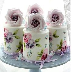 mini wedding cakes Exquisite Mini Wedding Cakes For Your Inspiration Wedding planning ideas amp; Wedding dresses, decor, and lots more. Small Wedding Cakes, Beautiful Wedding Cakes, Wedding Cupcakes, Wedding Cake Toppers, Beautiful Cakes, Amazing Cakes, Fancy Cakes, Mini Cakes, Cupcake Cakes