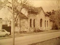 Bývalá pohřební kaple na novém Židovském hřbitově ve Veltrubské ulici.Byla zbourána po nuceném zabrání části hřbitova pro bytovky,přes protesty Pražské židovské náboženské obce. R.1990