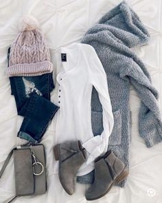 Womens Dress Shoes Cheap + Casual Winter Outfits For 50 Year Old Woman behind Ca. - Outfits for Work Winter Mode Outfits, Winter Outfits For School, Trendy Summer Outfits, Cozy Winter Outfits, Winter Fashion Outfits, Fall Fashion Trends, Cool Outfits, Dress Outfits, Autumn Fashion