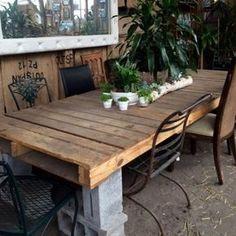 Table de Jardin en parpaings et palettes