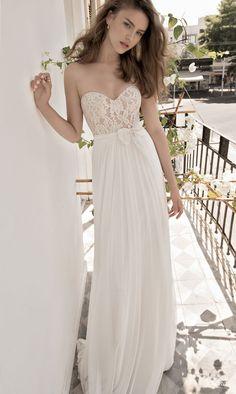 Robe de mariée bustier - Robe: Floral Bridal 2015 Wedding Dress Collection #weddingdress #bridaldress #glamour