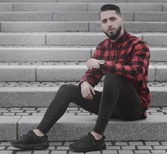 Skinny jeans and other tight legwear. Big Men Fashion, Latest Mens Fashion, Dope Fashion, Fashion 101, Fashion Quotes, Fashion Fall, Fashion Trends, Camisa Lisa, Men With Street Style