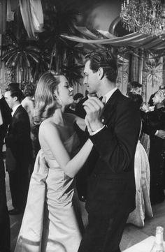 Jane Fonda dancing at the Waldorf, 1958//