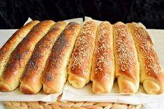 Batoanele copilăriei, direct la tine în bucătărie! Rețeta simplă și ușoară de batoane cu miere! Bread Recipes, Cookie Recipes, Dessert Recipes, Romanian Food, Pastry And Bakery, Junk Food, Hot Dog Buns, Food Videos, Deserts