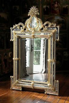 Now that's a mirror!  #mirrors www.thedecoratingrink.com
