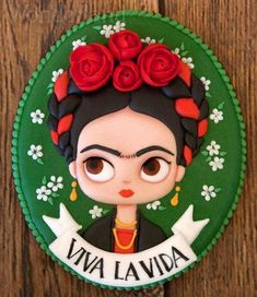 Galletas Mexicanas: Frida Kahlo - Recipes, tips and everything related to cooking for any level of chef. Mexican Cookies, Frida Art, Baumgarten, Royal Icing Decorations, Diego Rivera, Mexican Party, Pasta Flexible, Cookies Et Biscuits, Cold Porcelain