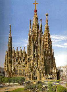Sagrada Familia in the year 2050 - Architecture Diy Sacred Architecture, Architecture Romane, Architecture Cool, Cathedral Architecture, Romanesque Architecture, Cultural Architecture, Education Architecture, Historical Architecture, Beautiful Buildings