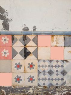 Tiles, not textiles I know. Nice patchwork inspiration