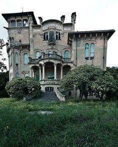 La Villa Zanelli Abandoned victorian house. #AbandonedWOW by abanddoned