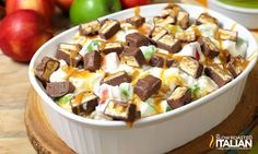 Snickers Caramel Apple Cheesecake Salad--Part of The Best Cheesecake Salad Recipes Snickers Caramel Apple Salad, Snickers Recipe, Caramel Apple Cheesecake, Best Cheesecake, Fruit Recipes, Apple Recipes, Salad Recipes, Dessert Recipes, Cooking Recipes