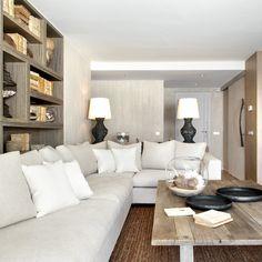 Molins Interiors // arquitectura interior - interiorismo - decoración - salón - entrada - recibidor - biblioteca - librería - mesa de centro - sofá