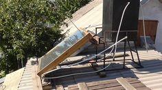 Солнечные водонагреватели При наличии небольшого, отлично освещаемого солнцем участка при доме либо отвесного ската крыши, обращенного на юг либо юго-запад, можно устроить простейшую установку для нагревания воды солнечным теплом. При устройстве тщательной термоизоляции бака и трубопроводов, в жилище можно иметь практически круглые сутки горячую воду для душа и домашних надобностей.