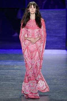I just realized the print placement makes her look like an Art Deco vagina - Naeem Khan Spring 2017 Ready-to-Wear Fashion Show