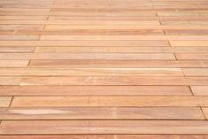Ipé terrasplanken voor een vlonder. Gebruik onze rekentool om uit te rekenen hoeveel hout en materialen je nodig hebt. De rekentool geeft praktische tekeningen en de producten die je uitgezocht hebt plaats je makkelijk in je winkelmand. Klik op de foto om jouw eigen vlonder uit te rekenen.