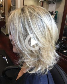 Choppy Messy Shoulder Length Cut Medium Shag Haircuts, Haircuts For Thin Fine Hair, Short Hair With Bangs, Short Hair Styles, Highlights For Dark Brown Hair, Light Brown Hair, Hair Highlights, Silver Blonde Hair, Platinum Blonde Hair