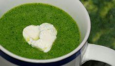 Broccoli bevat enorm veel goede voedingstoffen voor je lichaam. Om deze reden geven we je twee recepten voor broccolisoep.