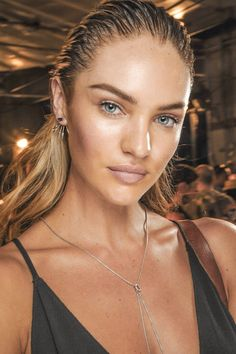 Candice Swanepoel Engaged to Hermann Nicoli - click through to see her diamond ring