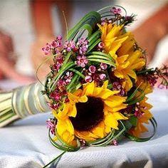 ramo de girasoles  http://www.bodacor.com/bodas-zaragoza-huesca-teruel-pamplona/categorias/preparativos/floristerias?term_node_tid_depth=all
