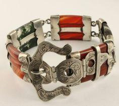 Superb Antique Victorian circa 1890 silver Scottish agate pebble bracelet brooch