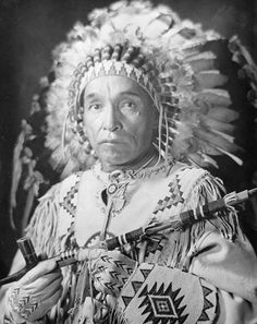 """1909 photo of """"Raining Bird"""" a Cree native on the Rocky Boy reservation. He was the son of """"Young Boy"""" (from Little Bear's band). Photo by Helmbrecht Studio Native American Beauty, Native American Photos, Native American Tribes, Native American History, American Symbols, American Women, American Bobtail Cat, Trail Of Tears, Native Indian"""