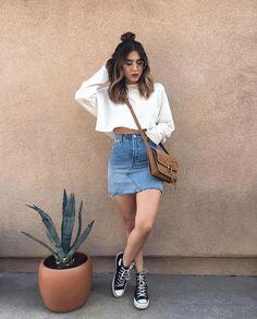Saia jeans e all star botinha preto - outfit - Denim Fashion, Look Fashion, Teen Fashion, Fashion Outfits, Womens Fashion, Latest Fashion, Fashion Tips, Fashion Trends, Hoodie Outfit