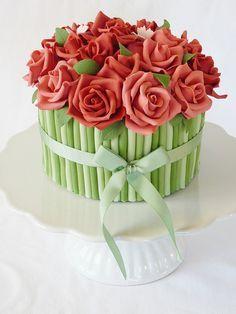 Bouquet rose cake by Swedish Cakes (Linda), via Cake Pretty Cakes, Cute Cakes, Beautiful Cakes, Amazing Cakes, Simply Beautiful, Bolo Floral, Floral Cake, Fondant Cakes, Cupcake Cakes