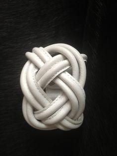 naval knot big white € 42,50