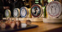 La Saucisse au couteau d'Emmanuel Chavassieux Mets, Tableware, Sausages, Sunday, Wine, Dinnerware, Tablewares, Dishes, Place Settings