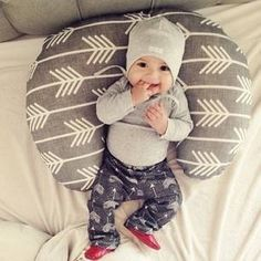 If DH and I achieve our dream of having another baby I'd adore this little outfit on him ( or if its a girl just add a BIG pink bow) ♥
