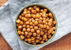Zdravé recepty: V hlavní roli cizrna – Iconiq.cz Chana Masala, Hummus, Beans, Vegetables, Ethnic Recipes, Food, Vegetable Recipes, Eten, Veggie Food