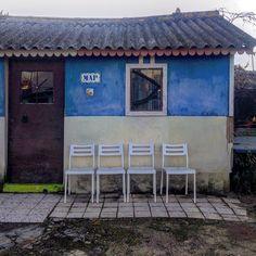 """Four in a row"" #Azambuja #avieira #riotejo #pescadores #janelaseportas #door #blue #river #fisherhouse #ihavethisthingwithdoors…"