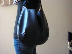 How to Besace Tutu, Leather Tutorial, Diy Handbag, Couture Sewing, Couture Bags, Leather Pattern, Blue Bags, Refashion, Sewing Tutorials