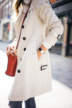 Classic Burberry Trench in Stone