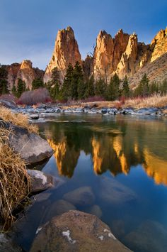 Crooked River and Smith's Rocks, Oregon; photo by .Michael Bollino