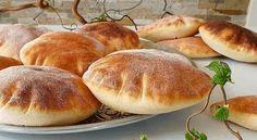 Receptov na pečivo je obrovské množstvo, tak prečo nevyskúšať nové chute. Hamburger, Basket, Bread, Food And Drinks, Hamburgers, Burgers