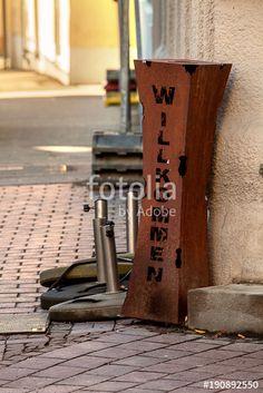 """Laden Sie das lizenzfreie Foto """"Willkommen"""" von Photocreatief zum günstigen Preis auf Fotolia.com herunter. Stöbern Sie in unserer Bilddatenbank und finden Sie schnell das perfekte Stockfoto für Ihr Marketing-Projekt!"""