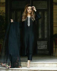 Black Pakistani Dress, Pakistani Dresses, Black Party Dresses, Wedding Dresses, Black Outfits, Party Wear, Traditional, How To Wear, Design