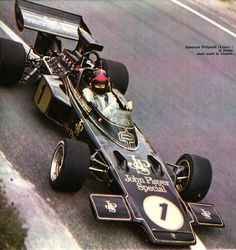Emerson Fittipaldi - Lotus JPS-Ford V8 - Grand Prix de France (Charade) 1972 L'Automobile Août 1972
